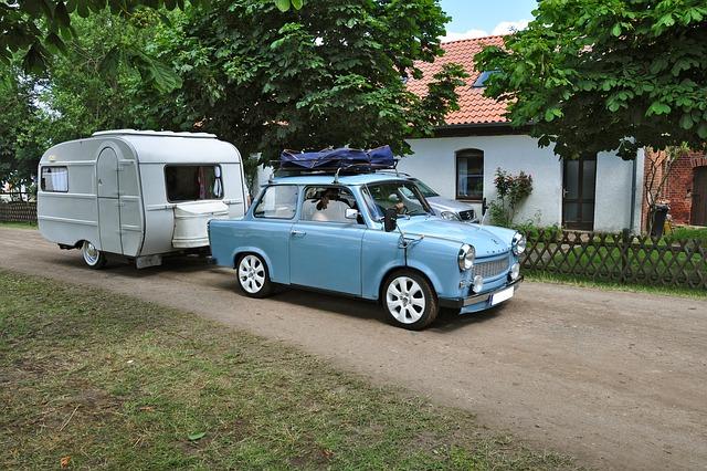 rodina u karavanu