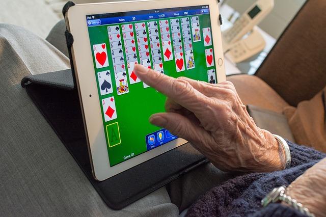 karetní hra v tabletu